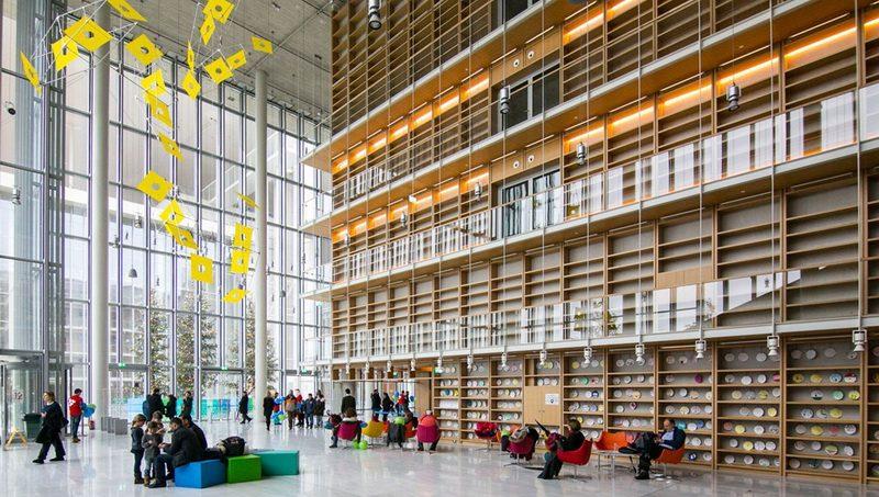 Η εθνική βιβλιοθήκη αλλάζει «σπίτι». Παρακολούθησέ τη μετεγκατάσταση