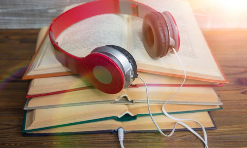 Βιβλία που διαβάζονται με τα… αυτιά