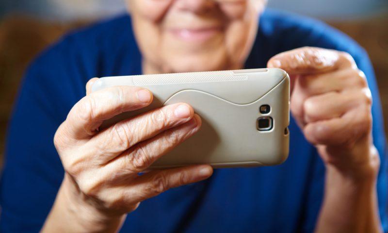 Κάνε το smartphone εύκολο ακόμα και για τη… γιαγιά σου