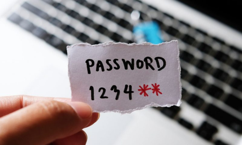 Πώς να μεταφέρεις τα passwords του γραφείου στο σπίτι