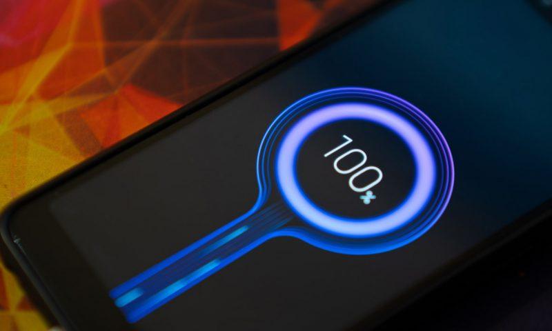 Καταστρέφει ή βελτιώνει τη μπαταρία ένας fast charger;