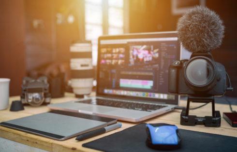 Στήσε το δικό σου στούντιο για τηλεδιασκέψεις στο σπίτι