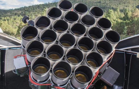 Πρωτοποριακό τηλεσκόπιο από… φωτογραφικούς φακούς